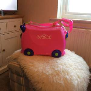 For sale: Child's trunki case on wheels great condition